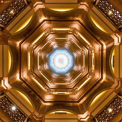 Centered - Emirates Palace - Abu Dhabi - VAE