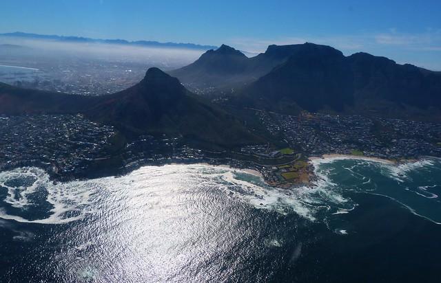 Vistas de Ciudad del Cabo desde un helicóptero