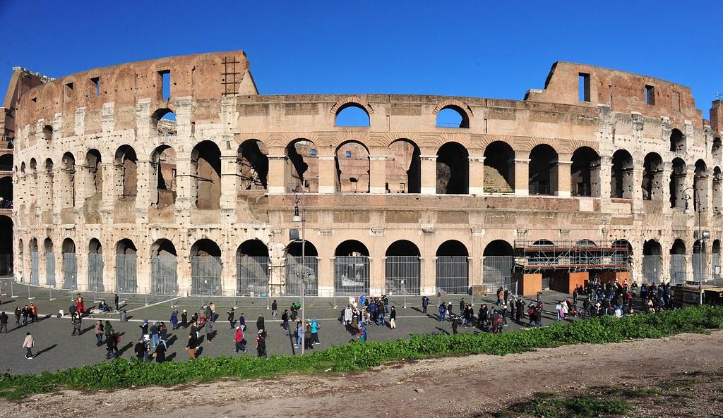 Coliseum, Rome, Italy 557