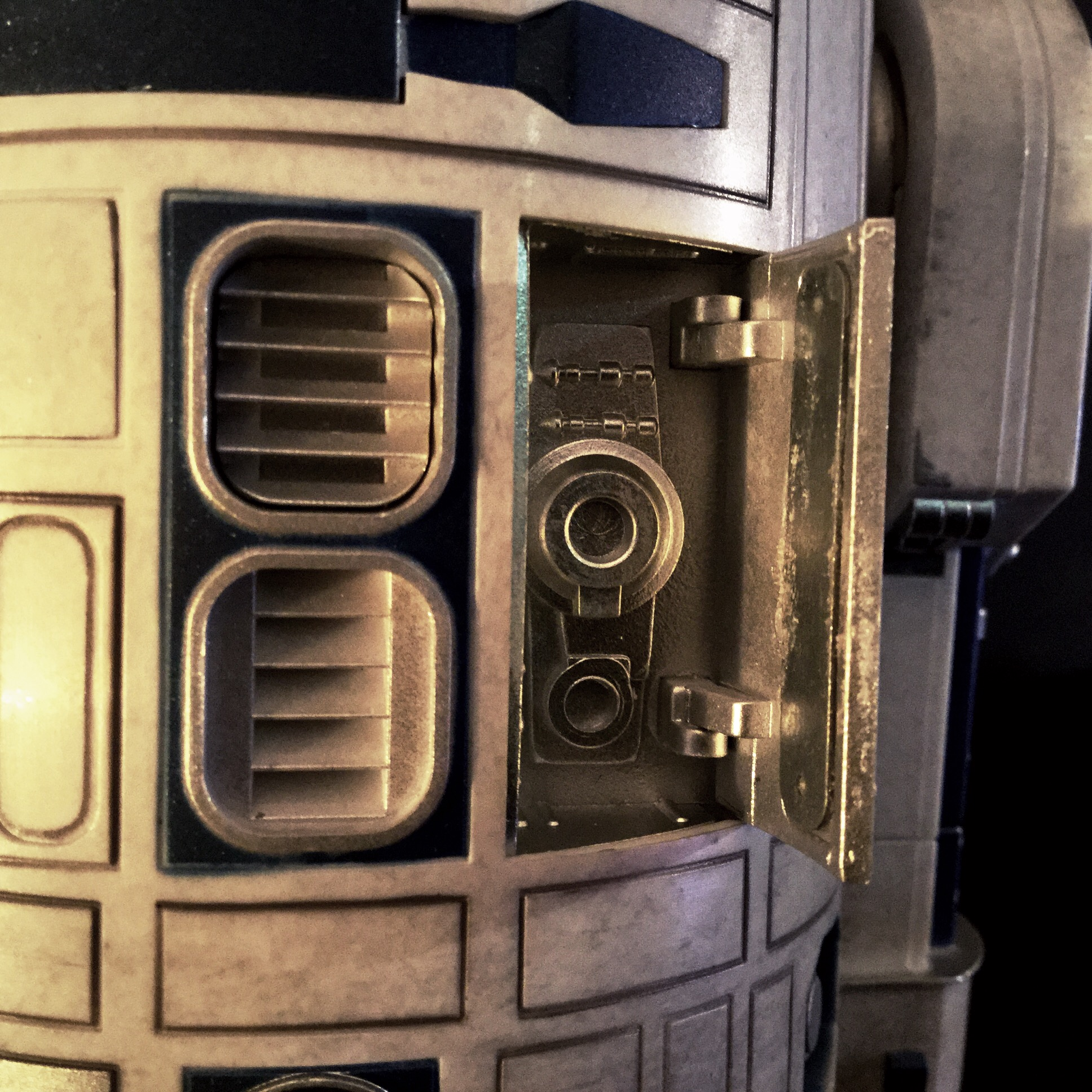 [REVIEW] Star Wars : R2-D2 Deluxe (Sideshow) 16442325651_160611539f_o
