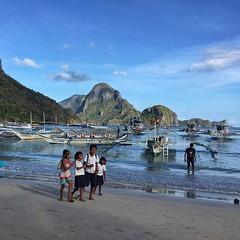 Kids going to school :) #ElNido #Palawan #Philippines #AirAsia #AirAsiaInPalawan #airasiaaseanpass #Travel #TravelMore