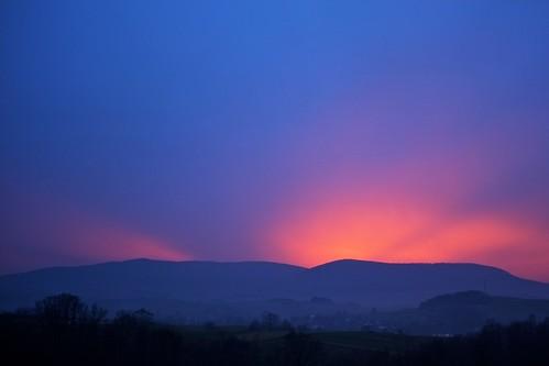 light sunset orange mountains glow hills lubomir project365 kamiennik project3652014