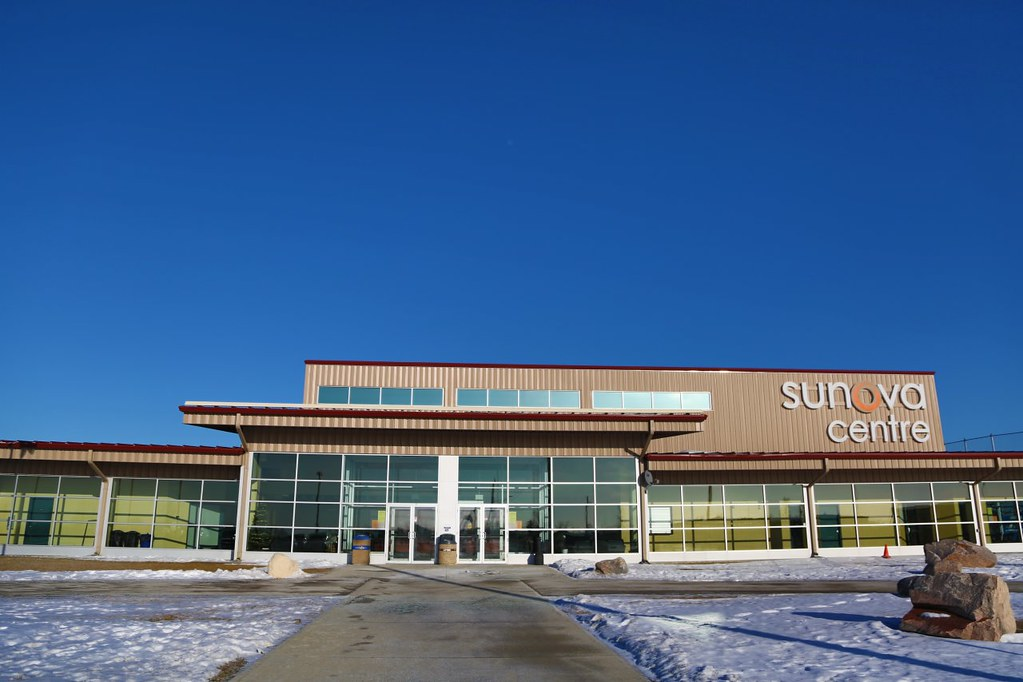 Virtual tour of the beautiful sunova centre in west st for Centre commercial grand tour sainte eulalie