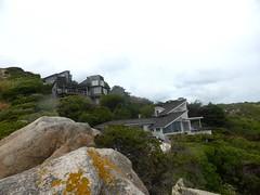 Sous Ciappili : on longe les habitations lors de la traversée côtière