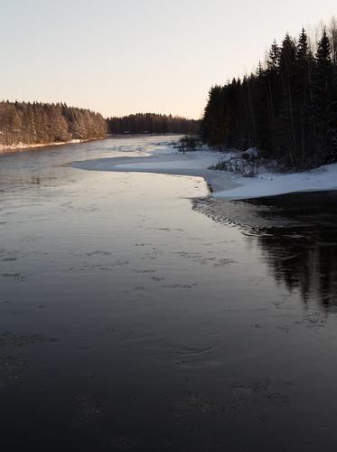 winter snow ice suomi finland river reflectedlight pyhtää kymenlaakso partlyfrozen