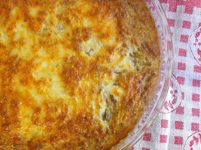 Tarte de ovo com atum e legumes