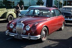 executive car(0.0), sports car(0.0), automobile(1.0), daimler 250(1.0), jaguar mark 2(1.0), vehicle(1.0), automotive design(1.0), jaguar mark 1(1.0), mitsuoka viewt(1.0), jaguar xk150(1.0), antique car(1.0), sedan(1.0), classic car(1.0), vintage car(1.0), land vehicle(1.0), luxury vehicle(1.0), jaguar s-type(1.0),