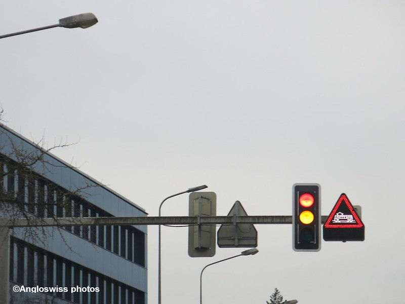 Trainsignals ont he Baselstrasse