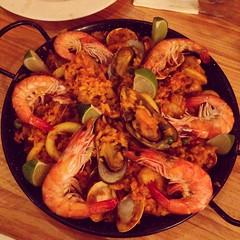paella(0.0), shrimp(1.0), seafood boil(1.0), dendrobranchiata(1.0), caridean shrimp(1.0), seafood(1.0), invertebrate(1.0), food(1.0), scampi(1.0), dish(1.0), cuisine(1.0),