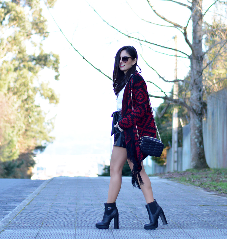 poncho_zara_pullandbear_boots_ootd_outfit_01