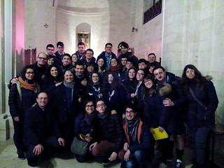 I ragazzi e i parroci di Turi con suor Carolina Iavazzo