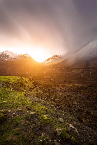 sun snow mountains skye clouds canon landscape scotland iceland high long exposure dynamic unitedkingdom touch north scottish range isle dri hdr 6d sconser onemoreminute taysikuu