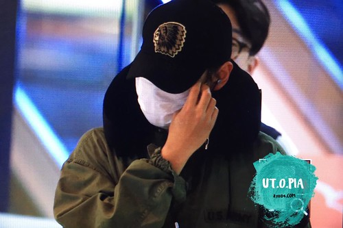BIGBANG departing Sydney for Melbourne 2015-10-20 (5)