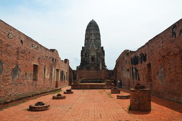 Interior del Wat Ratchaburana