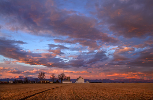 sky clouds rural colorado farming barns co farms frontrange rurallife weldcounty whitebarns weldcountyco frontrangeco