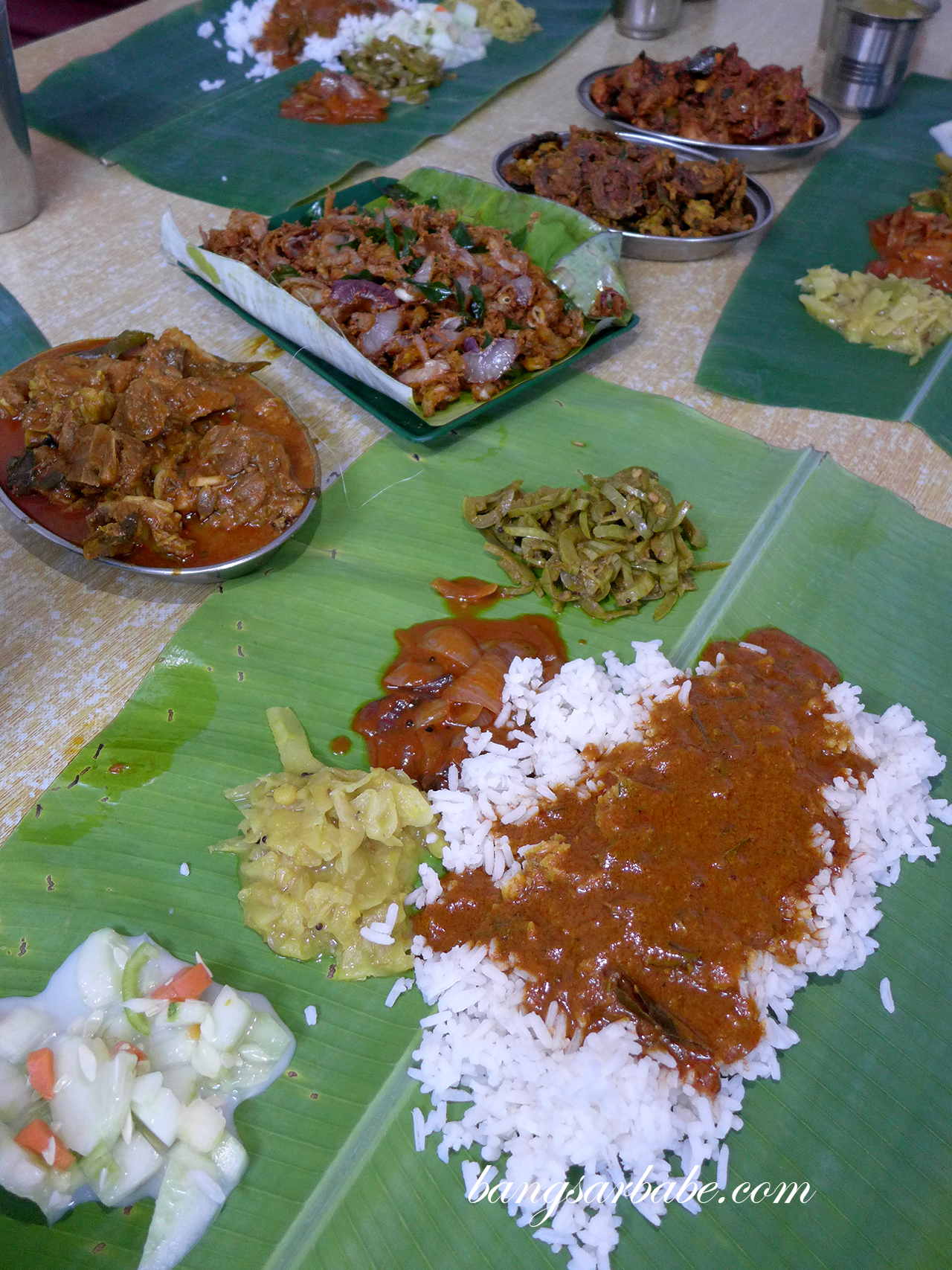 how to eat banana leaf rice
