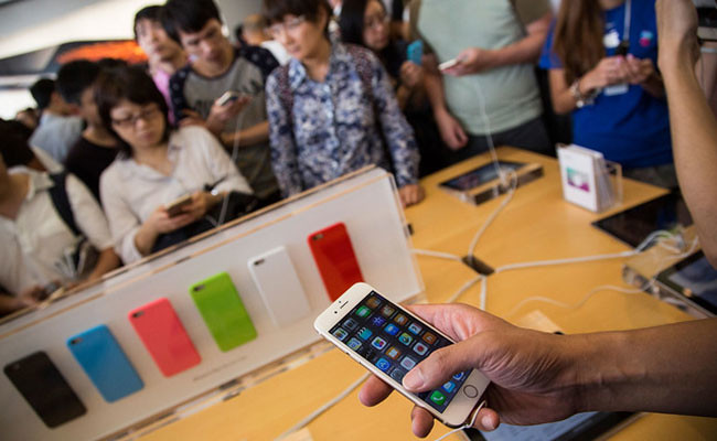 Apple-breaks-all-Records-with-iPhone-6-Sales