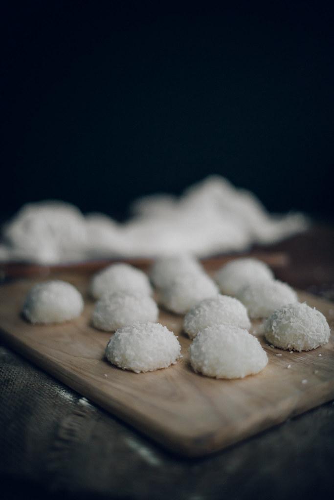 Peanut & Sesame Mochi Balls (Nuomici)