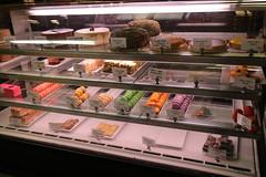 meal(0.0), ice cream(0.0), restaurant(0.0), buffet(0.0), gelato(0.0), fast food(0.0), breakfast(1.0), display case(1.0), bakery(1.0), food(1.0), pã¢tisserie(1.0), dessert(1.0),
