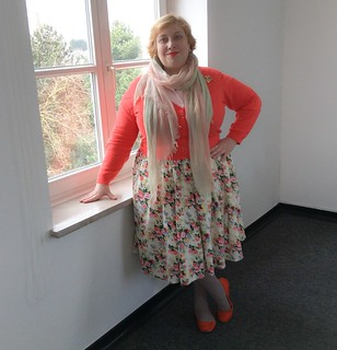 Spring is springing. Dress ebay/no name, scarf Deichmann, flats H&M, cardi Boden