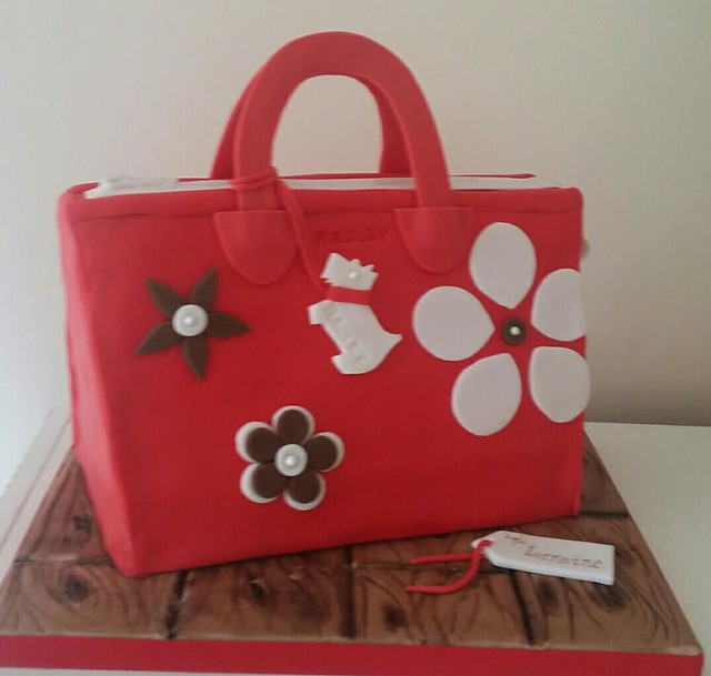 Radley Bag Cake by Joanne Roe of For the love of CAKE