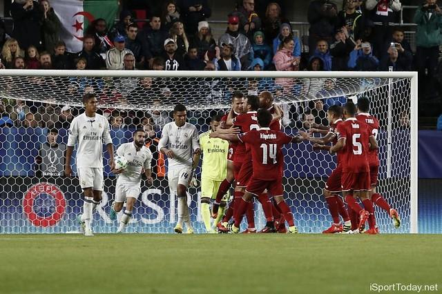 بالصور - ريال مدريد بطلا للسوبر الاوروبي بفضل كارفخال17