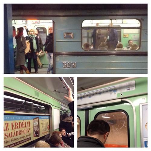 А вот и наш родной советский поезд метро! Служит верой и правдой! #будапешт