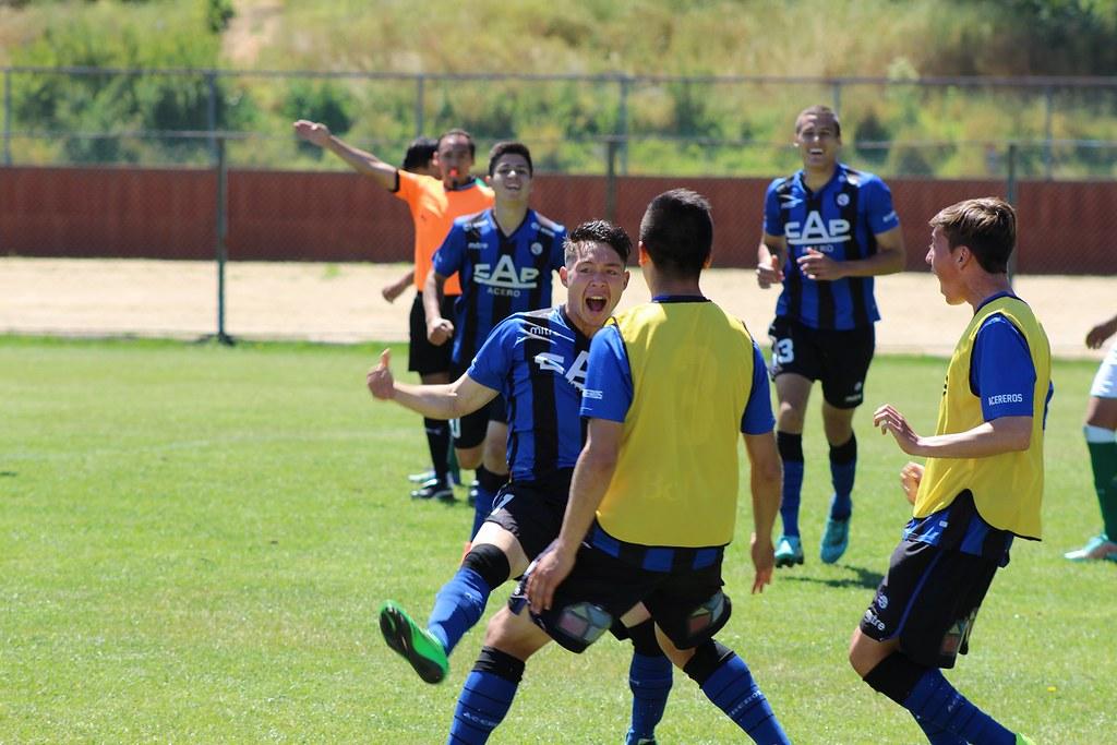 Huachipato se instala entre los cuatro mejores del fútbol joven