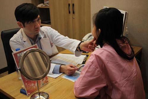 U臉變V臉 萊佳形象美學診所賴慶鴻醫師找回我的下巴 (3)