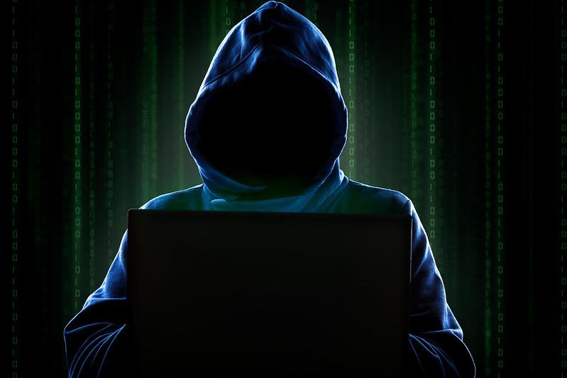 Grupo de hackers ataca deputado autor de 'artigo da censura' na reforma política, Hacker