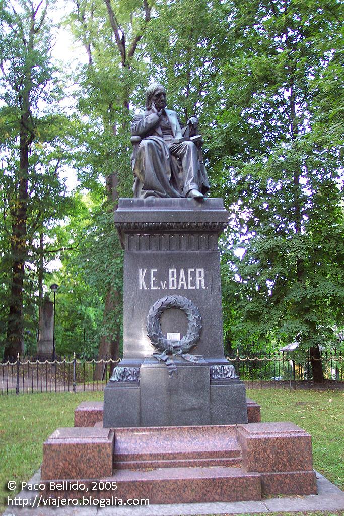 Estatua en Tartu