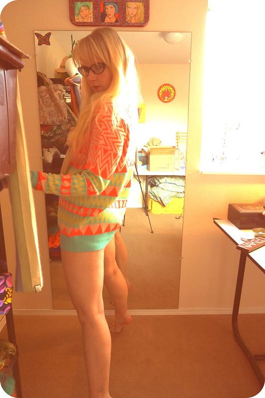 sunny sweater daze