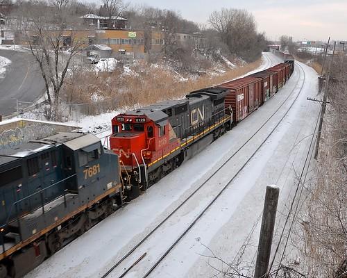 winter snow cn train quebec montreal ge dash8 generalelectric canadiannational csx freighttrain csxt montrealwest dash840cw dash840c cn529 montrealsub cp931