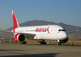 Avianca B787-8 ready for taxi SCL (Avianca)