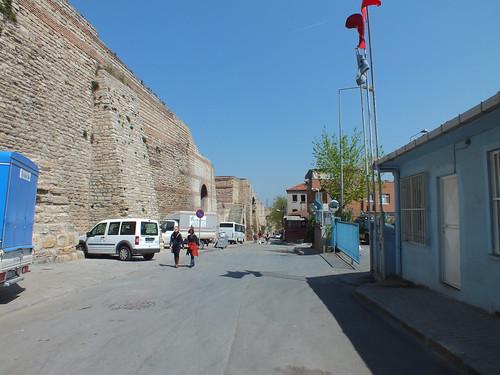 A Fal, közelről