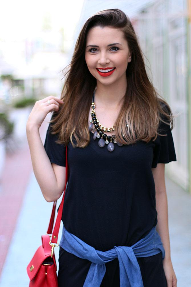 10-vestido-preto-com-camisa-jeans-amarrada-sempre-glamour
