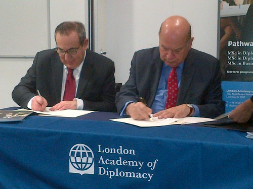OAS and London Academy of Diplomacy Sign Cooperation Agreement