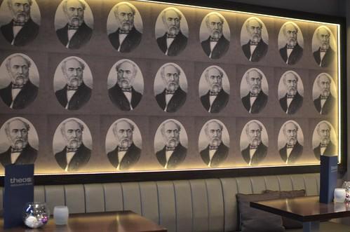 Theos Restaurant & Bar