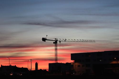 pink blue red sky construction crane tours goldenhour skyporn écoquartier monconseil