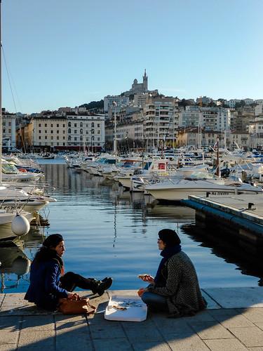 sea mer seascape boats soleil pier marseille marine bateaux bleu pizza lumiere fishingboats quai vieuxport streetshot bonnemere bateauxdepeche
