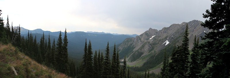 >Panorama view east from the Devils Dome Trail near Devils Pass