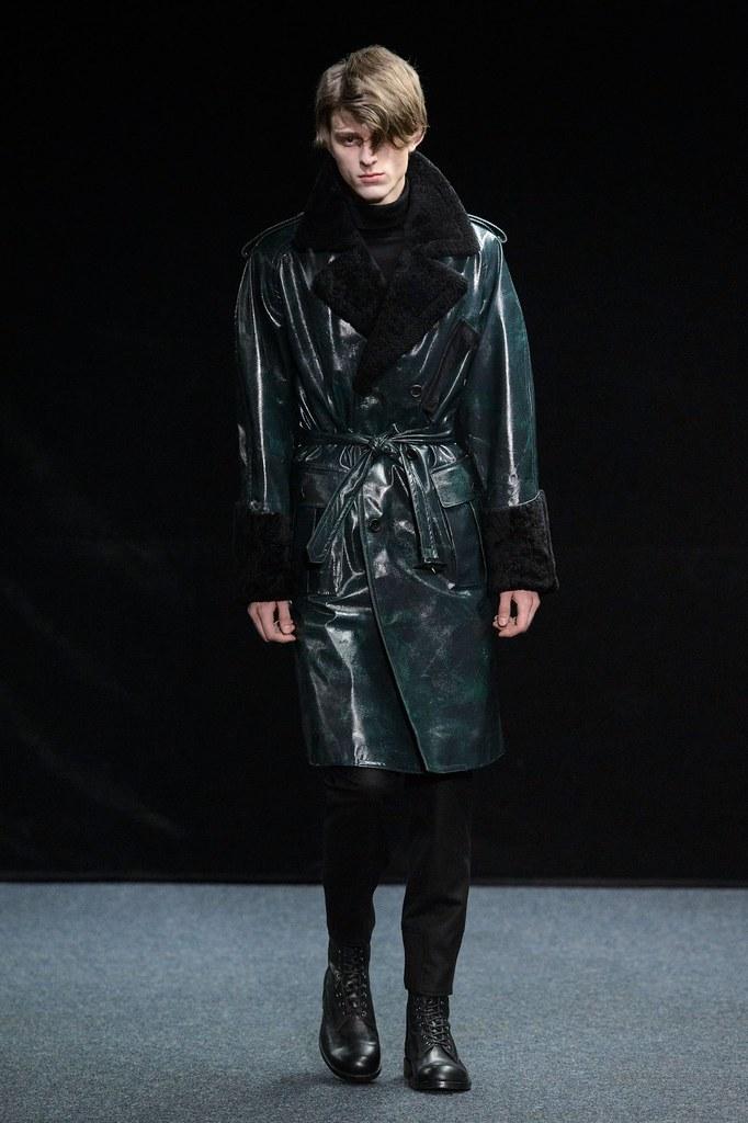 Elvis Jankus3248_FW15 Paris Songzio(fashionising.com)