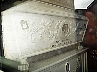 Sepulchral chapel of Nino Taranto (Naples 1907-Naples 1986) - Cemetery of Santa Maria della Pietà in Naples