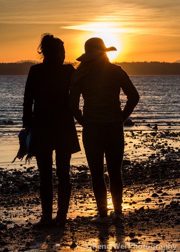 ocean seattle travel sunset two usa color beach beautiful silhouette vertical america landscape coast washington women scenery pacific outdoor dusk scenic peaceful pugetsound discoverypark