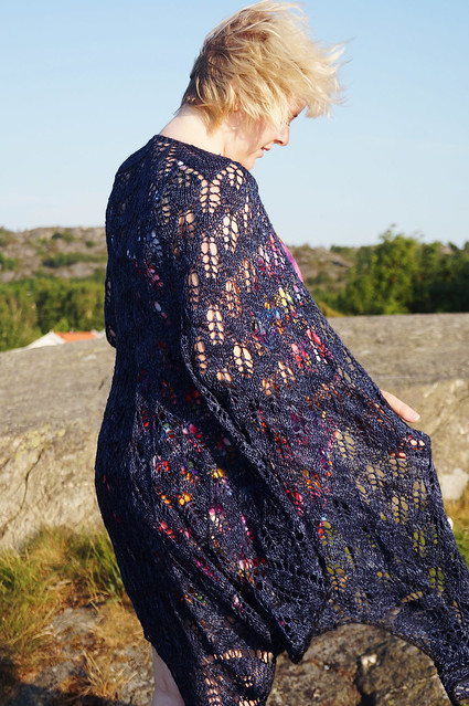 Leaf by leaf shawl