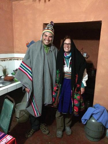 Lac Titicaca: pour pouvoir participer à la fête, il faut s'habiller en costume traditionnel !