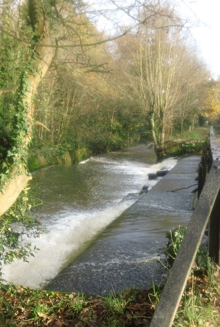 Weir on the Wey...
