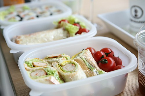 to-go food containers