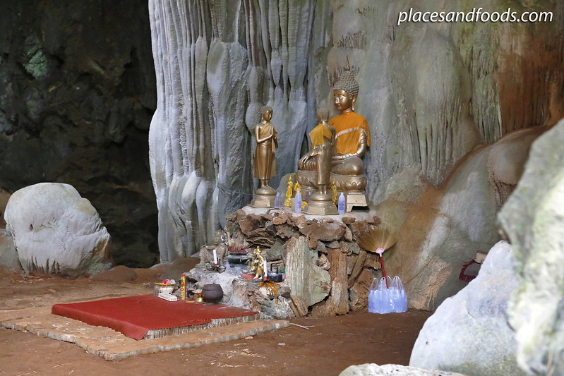 Khao Kriap Cave buddha statue