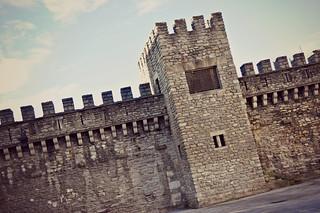 http://hojeconhecemos.blogspot.com.es/2015/02/muralha-medieval-vitoria-espanha.html